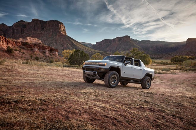 The first production GMC HUMMER EV supertruck was sold at the 2021 Barrett-Jackson Scottsdale auction for $2.5 million. Proceeds from this sale will benefit the Tunnels to Towers Foundation.