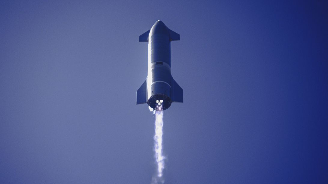 SpaceX Starship prototype in flight