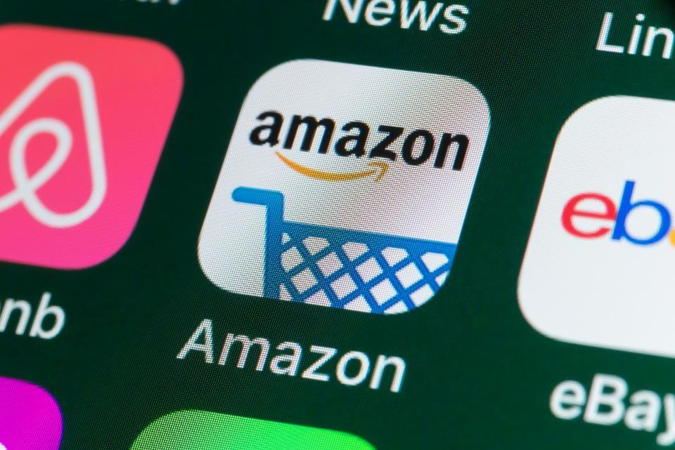 We don't know for a fact that everybody's working for the weekend, but Amazon sure is — to bring us these deals. (Photo: Getty Images)