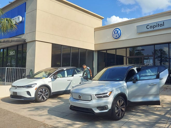 A VW ID.4 and Volvo XC40 recharge at Capital Euro Cars.