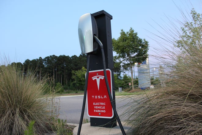 Two electric vehicle fast charge stations will be installed in downtown New Bern this fall. Tesla is also working to install charging stations in the Smithfield Barbeque parking lot.
