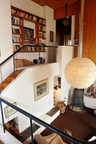 Multi-level interior Pic: Larry Cummins